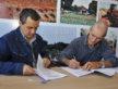 Secretário Landmark e José Garcia assinam convênio que vai garantir melhoria no processamento do mel em Dourados  - A. Frota