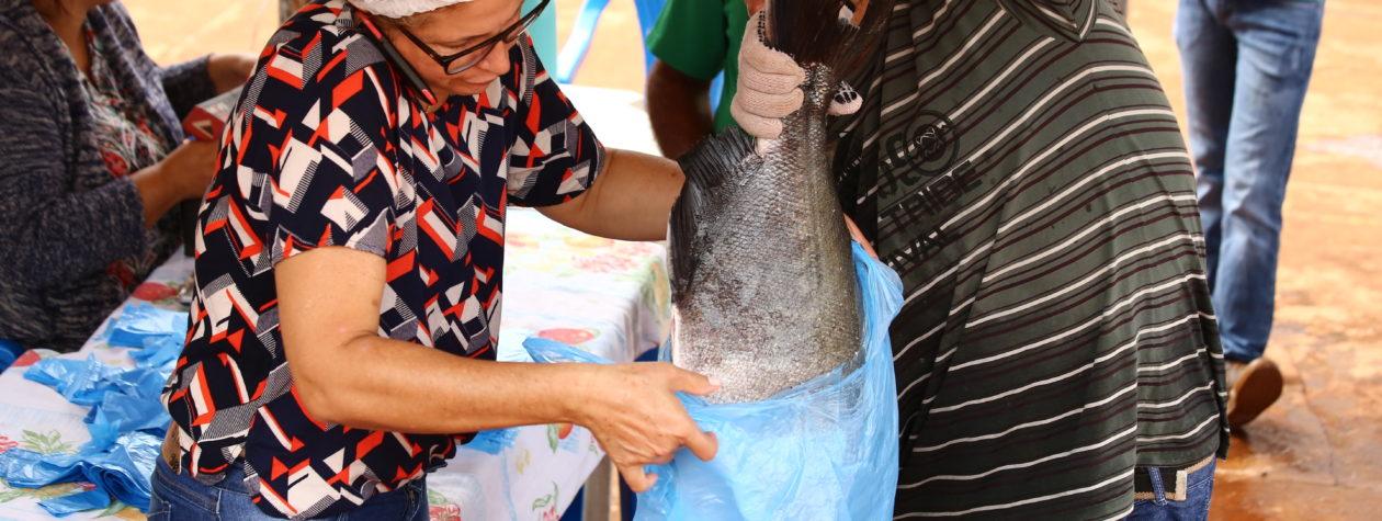 12 mil quilos de pescado vendidos em dois dias na  13ª Festa do Peixe