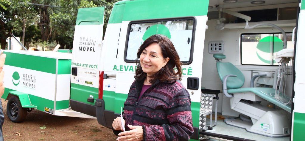 Délia recebe material hospitalar e  unidades odontológicas em aldeia