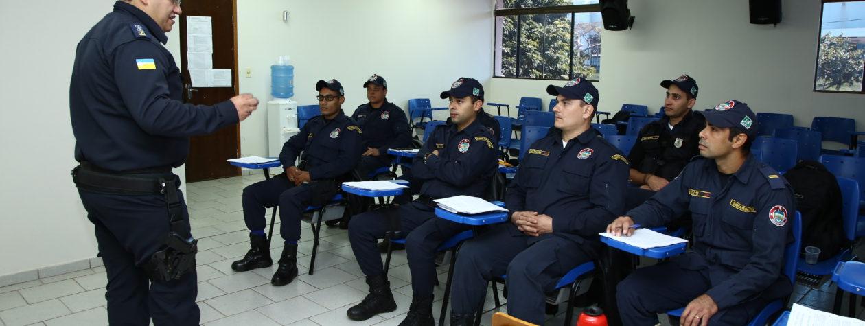 Através de parceria GM de Dourados  leva capacitação a guardas de Bonito