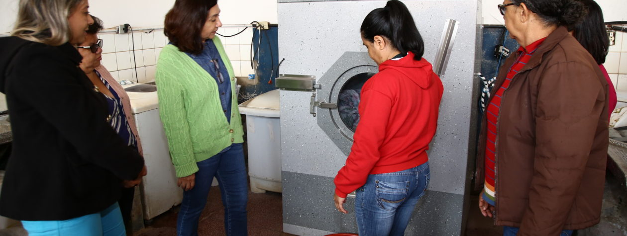 Lavanderia Comunitária do Cachoeirinha recebe secadora de roupa industrial