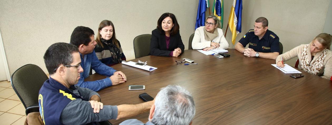 Prefeita Délia recebe Sindicato da Guarda Municipal de Dourados