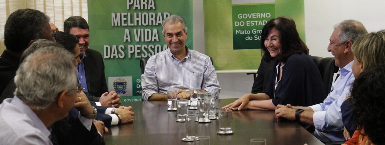 Délia e Reinaldo firmam convênio para a campanha 'Dourados Brilha'