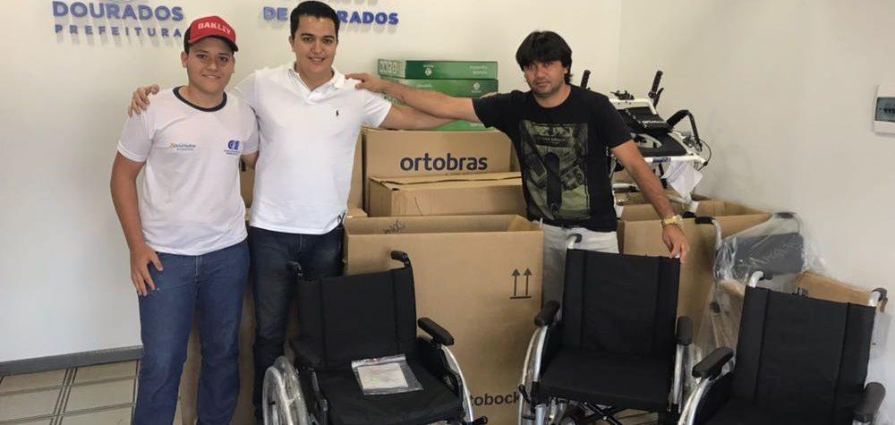 Secretaria de Saúde entrega 41 cadeiras de roda à população