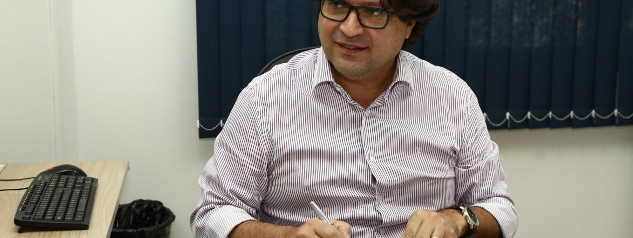 Prefeitura firma contrato para concluir obra do centro social e área de lazer do Estrela Guassu