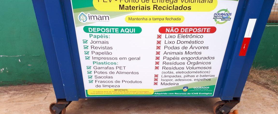 Imam entrega contêiner para coleta de material reciclável na escola de Indápolis