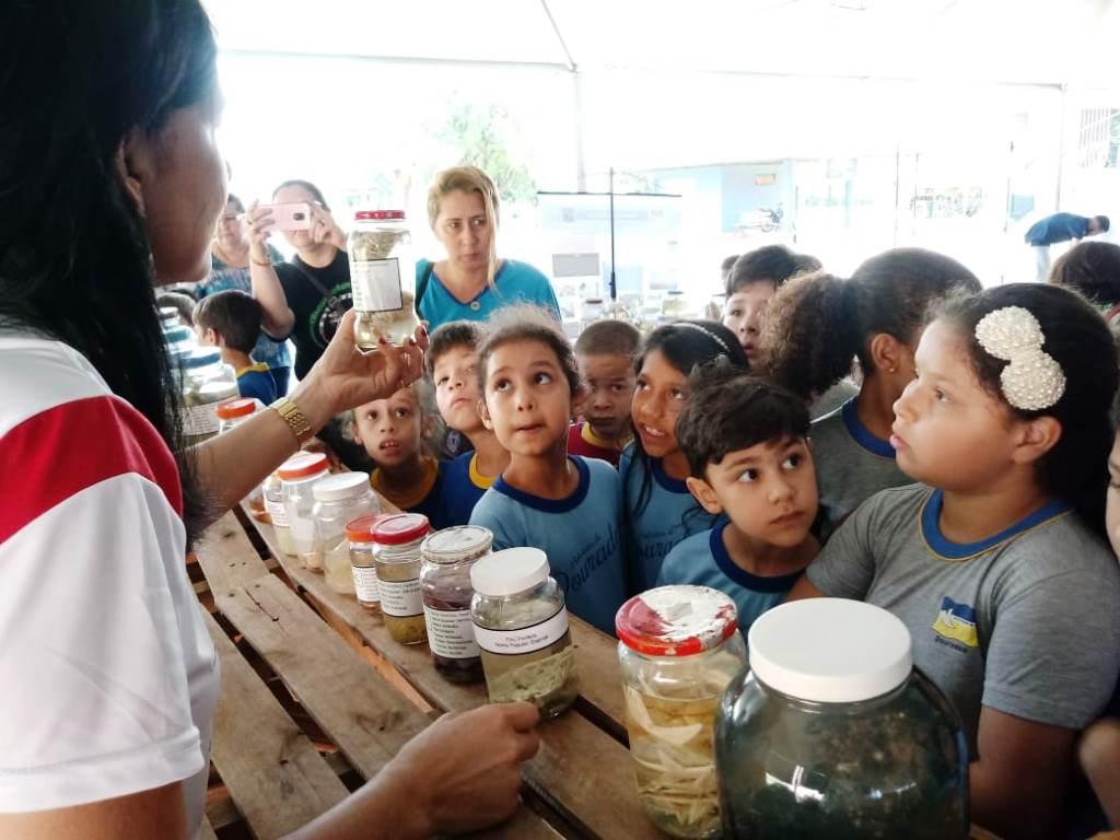 Visitação de alunos das redes de ensino na XXI Eco Dourados ultrapassa centenas