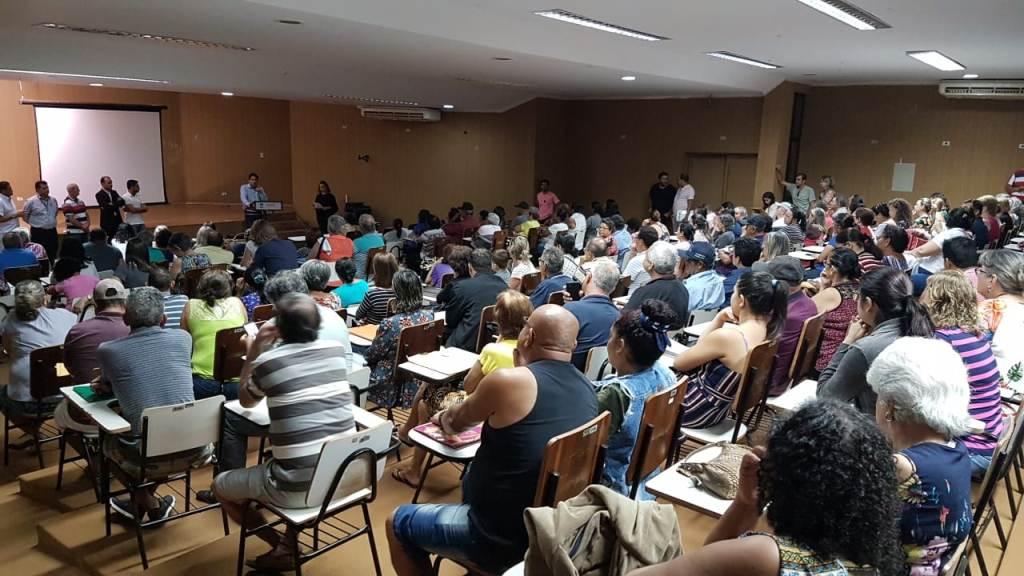Prefeitura orienta moradores do Izidro  Pedroso sobre regularização de imóveis
