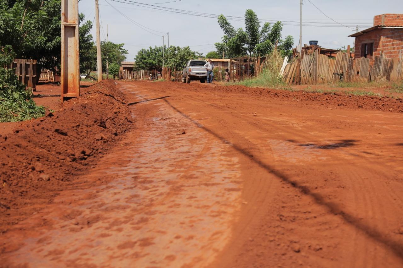 Maquinário trabalhou durante o dia para devolver a qualidade de vida para os moradores da região
